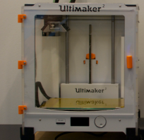 Hinged door on the Ultimaker 2