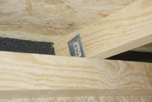 Rafter mounting and ventilation gap
